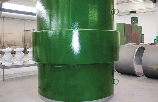 Insulating monolithic joint of 88 inches (2235 mm) diameter for operating pressure of 9,8 MPa